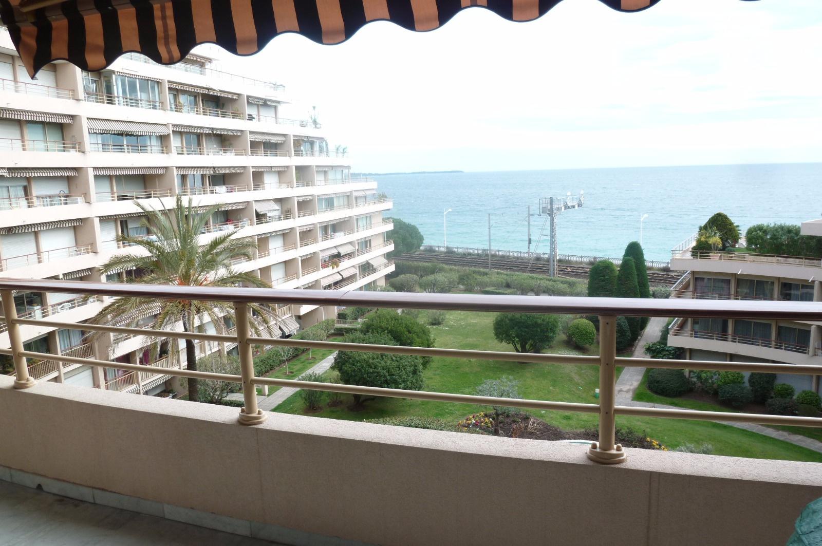 Achat appartement cannes la bocca vue mer for Achat maison cannes